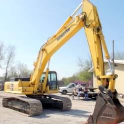 2004 Komatsu PC400LC-7L excavator